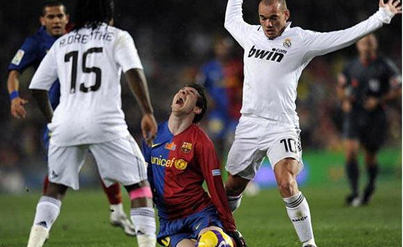 Players for Real Madrid and FC Barcelona. Photo Credit: l30_/Flickr