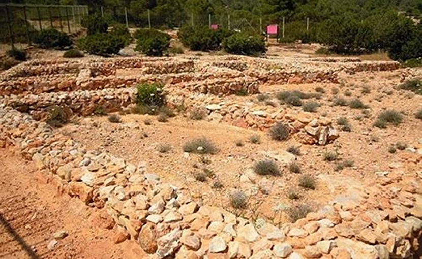 These are remains of the Phoenician settlement of Sa Caleta (Ibiza). Credit UPF