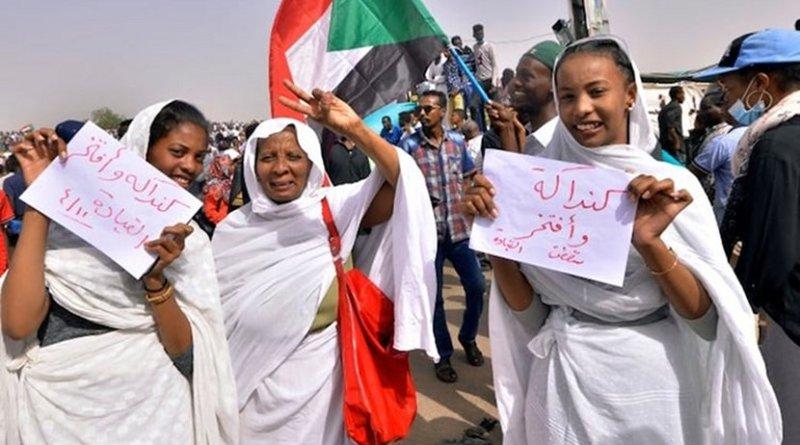 Sudanese women preparing songs to celebrate ouster of O. al-Bashir
