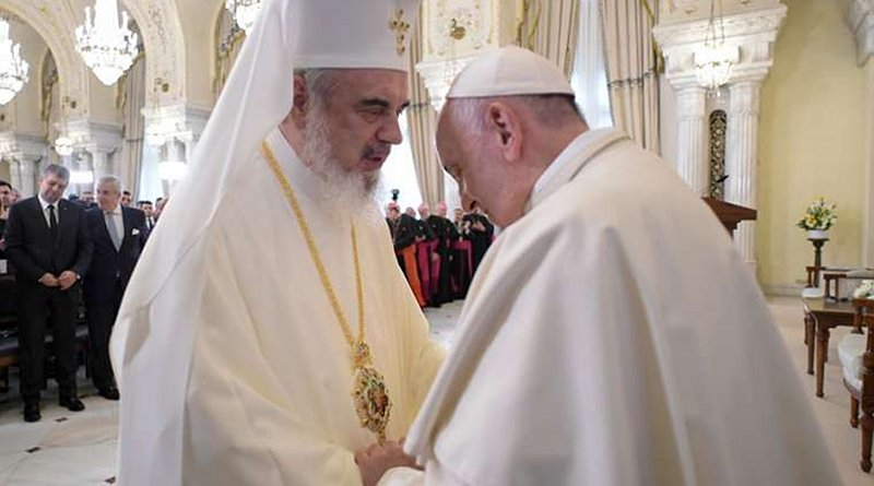 Pope Francis speaks with Romanian Orthodox Patriarch Daniel in Bucharest May 31, 2019. Credit: Vatican Media.