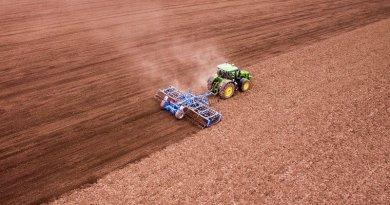 farm farming tractor till