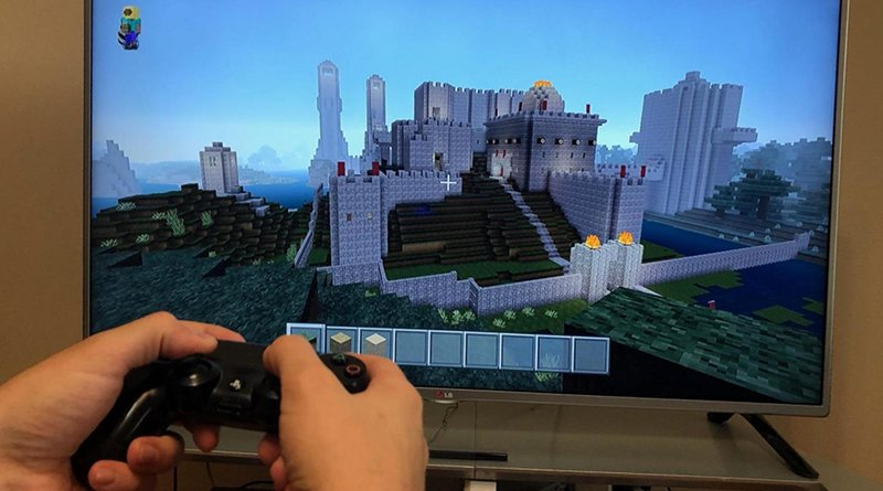 Study participants were split into groups with some playing Minecraft and others playing a race car video game or watching TV. Credit Iowa State University News Service