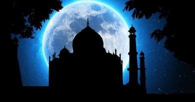 Moon and India's Taj Mahal