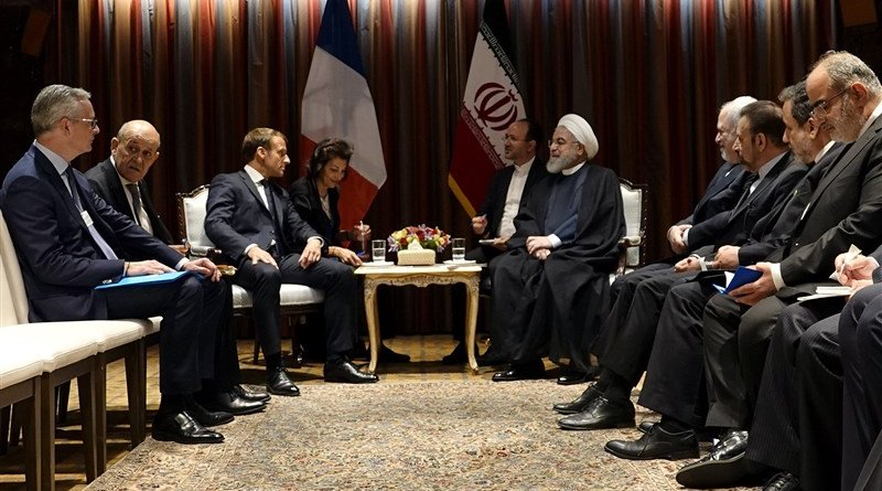 Iran's President Hassan Rouhani and his French counterpart Emmanuel Macron on the sidelines of the UN General Assembly. Photo Credit: Tasnim News Agency