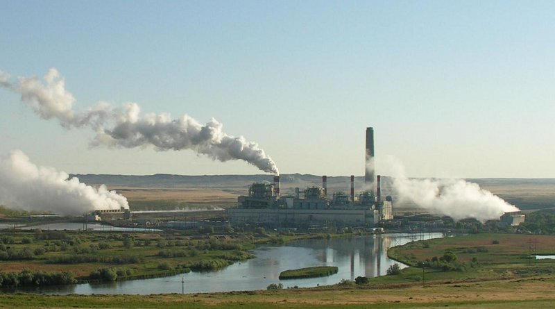 The Dave Johnson coal-fired power plant in central Wyoming. Credit Wikimedia Commons CC 2.0 Generic Goebel