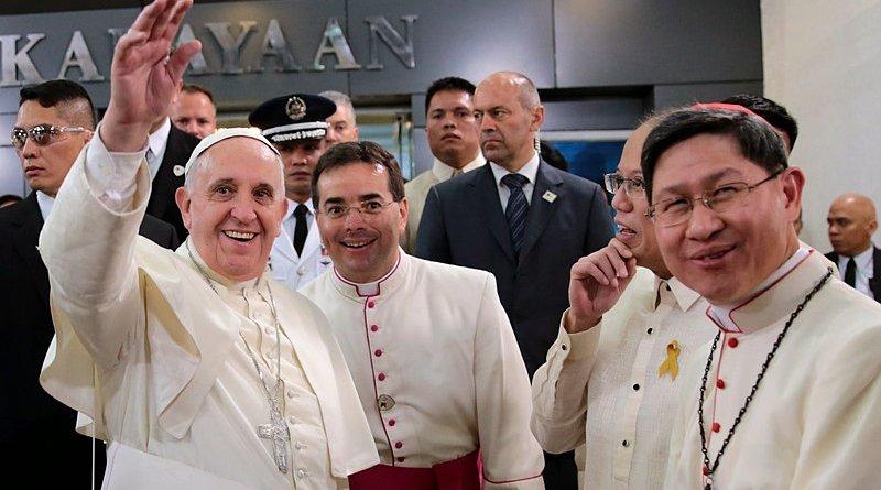 Cardinal Luis Antonio Tagle with Pope Francis. Photo Credit: Benhur Arcayan - Malacañang Photo Bureau, Wikipedia Commons