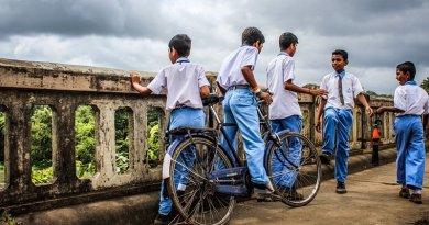 schoolchildren children boys india