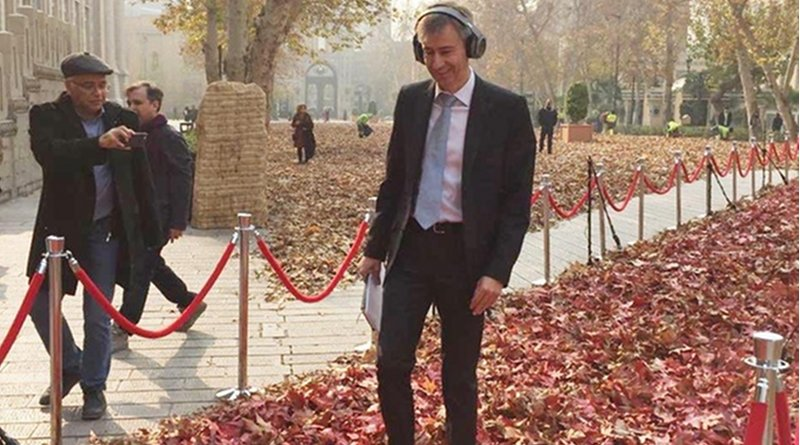Ambassador Leitner visiting an art installation in the Iranian capital Tehran. (https://twitter.com/SwissEmbassyIr)