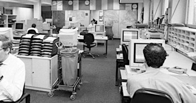 Newsroom at Radio Free Europe/ Radio Liberty in Munich, 1994. Photo Credit: Andreas Bohnenstengel, Wikipedia Commons
