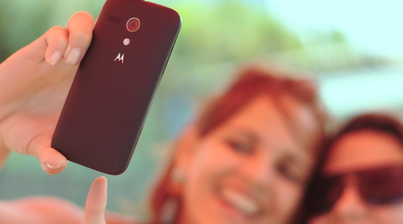 selfie smartphone women camera photo