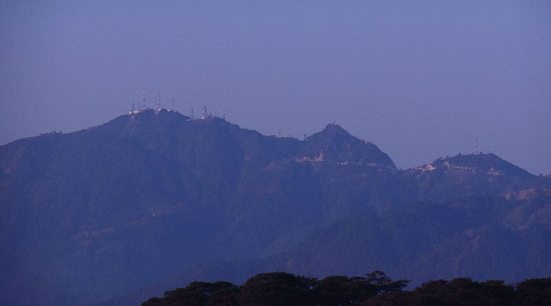 Mount Santo Tomas in Tuba, Benguet, Philippines with several TV transmitters on its summit. Photo Credit: Lawrence Ruiz, Wikipedia Commons