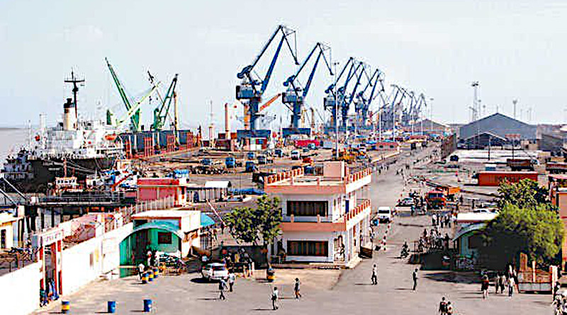 Kandla Port, Gujarat, India. Photo Credit: Mukund, Wikipedia Commons