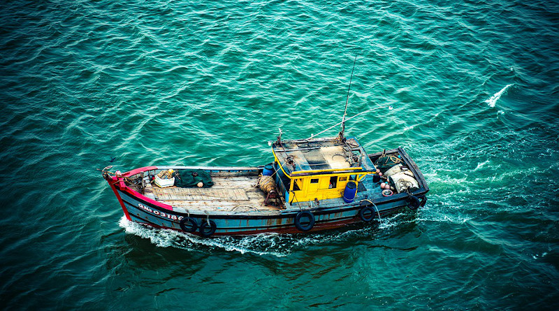Trawler Boat Fishing Fish Water Sea Vietnam Ocean Travel
