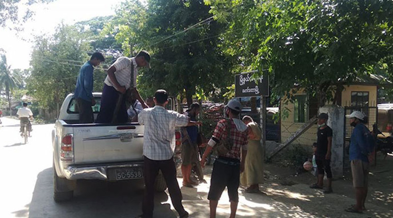 Mg Nyi Htay is taken to the Maungdaw Township Court from the Pyin Phyu police station. Photo Credit: DMG