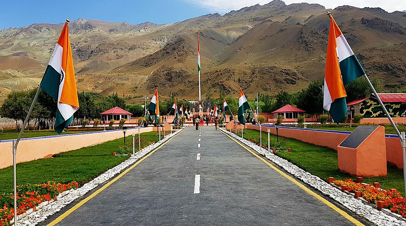 Kargil War Memorial, built to honor fallen Indian soldiers. Photo Credit: Jivinjohn, Wikipedia Commons