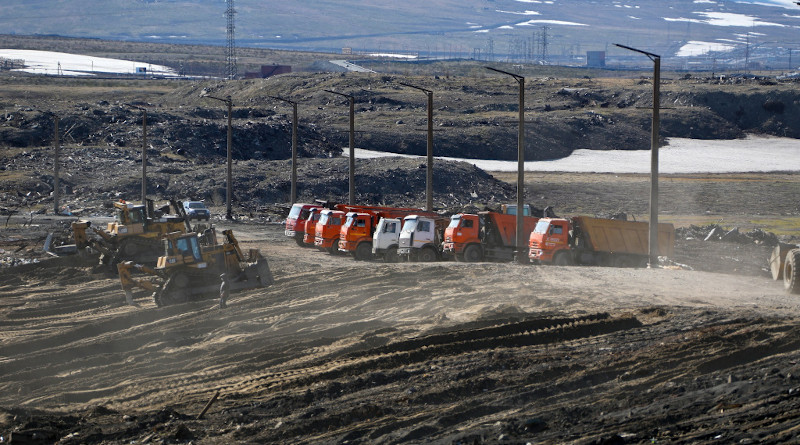Operation to remove contaminated soil from diesel fuel that leaked from a Norilsk Nickel storage tank. Photo Credit: Norilsk Nickel
