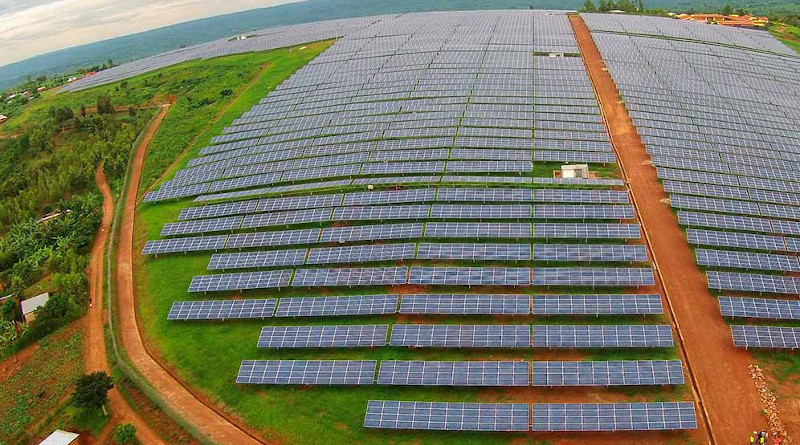 A solar field at the Agahozo Shalom Youth Village in Rwanda. Developing countries made record renewable energies investments in 2019. Copyright: USAID / Power Africa photo by Sameer Halai, (CC BY-NC 2.0) This photo has been cropped.