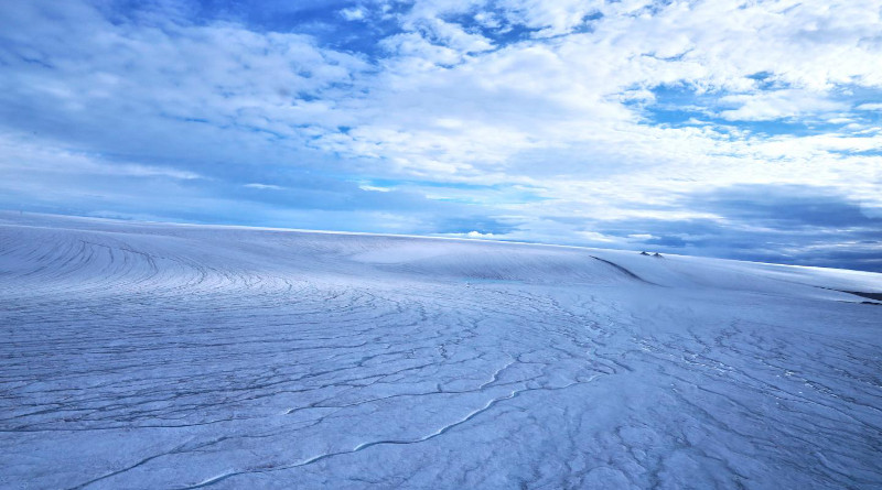 UBC researchers have concluded that early Martian landscape probably looked similar to this image of the Devon ice cap. CREDIT: Anna Grau Galofre