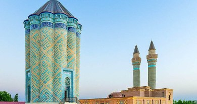 The Garabaghlar Mausoleum in Nakhchivan, Azerbaijan. Photo Credit: Sefer Azeri, Wikipedia Commons