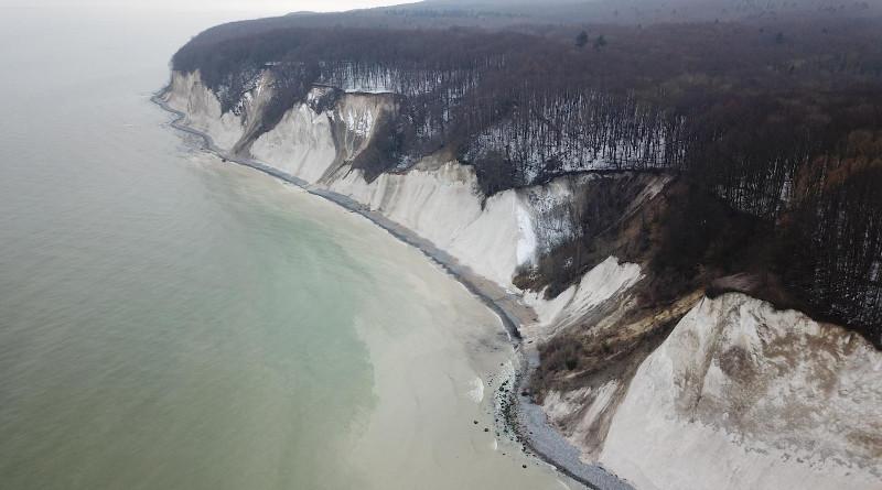 The chalk cliff of Jasmund at the coast of Rügen. CREDIT photo: Kristen Cook, GFZ