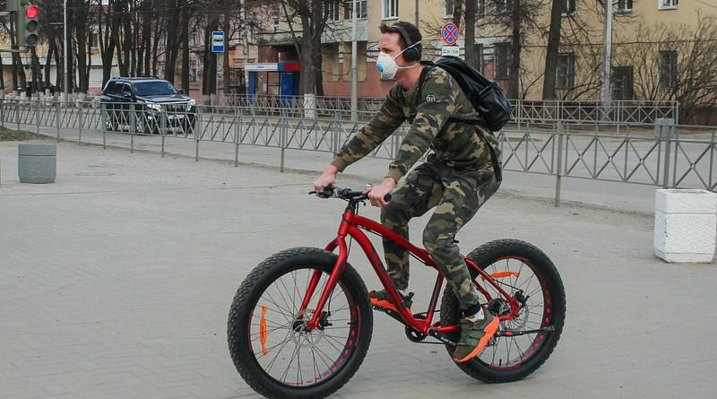 coronavirus covid-19 mask sport athlete bicycle