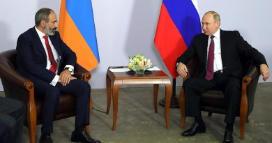 Prime Minister of Armenia Nikol Pashinyan with Russia's President Vladimir Putin. Photo Credit: Kremlin.ru