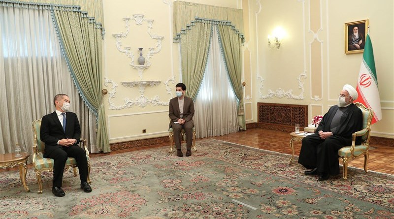 Japanese Ambassador Kazutoshi Aikawa and Iranian President Hassan Rouhani. Photo Credit: Tasnim News Agency