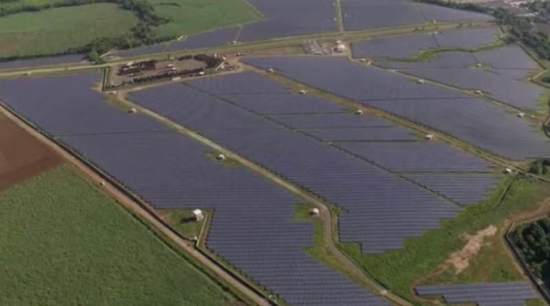 islaSol II, a photovoltaic power station located in Negros Occidental, a province in the Philippines. A new report urges the Philippines to shift from diesel to renewable energy to save money. Image credit: Kanadaurlauber, Wikimedia Commons