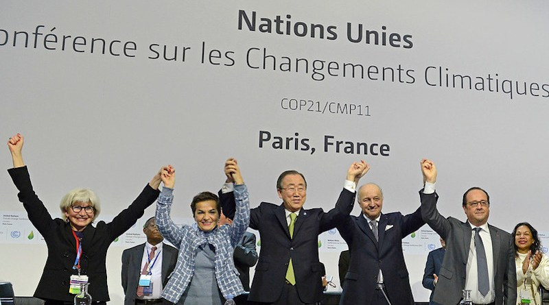 Plenary session of the COP21 for the adoption of the Paris Accord, United Nations Climate Change Conference (Paris). Photo: UNclimatechange (CC BY 2.0)