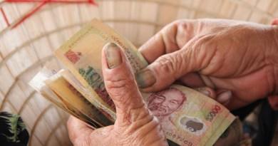 Currency Vietnam Hoian Street Vendor Dong Trade Money
