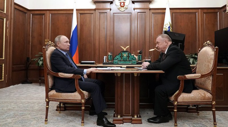 Russia's President Vladimir Putin (left) with Mr. Sergei Katyrin, Head of the CCI-Chamber of Commerce and Industry (left).