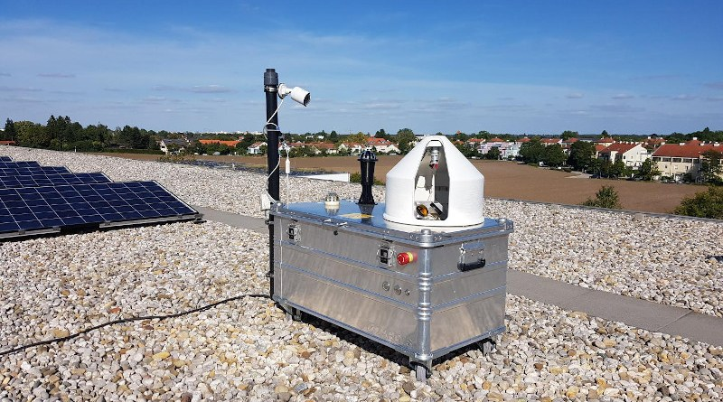 Measuring device of the MUCCnet sensor network set up by Prof. Jia Chen, Chair of Environmental Sensing and Modeling, at the TUM Department of Electrical and Computer Engineering of the Technical University of Munich (TUM) on the roof of a building in Taufkirchen. CREDIT F. Dietrich / TUM