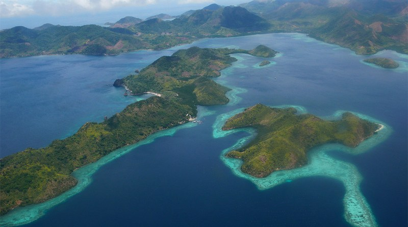 Islands of Coron in northern Palawan, Philippines. Image by Patrick Kranzlmüller via Flickr (CC BY-NC-ND 2.0)