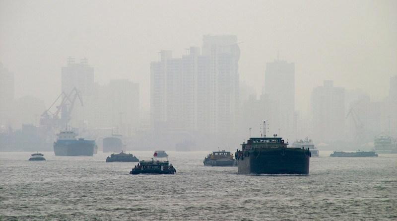 Pollution Fog Shanghai Boats Smog River Skyscraper China