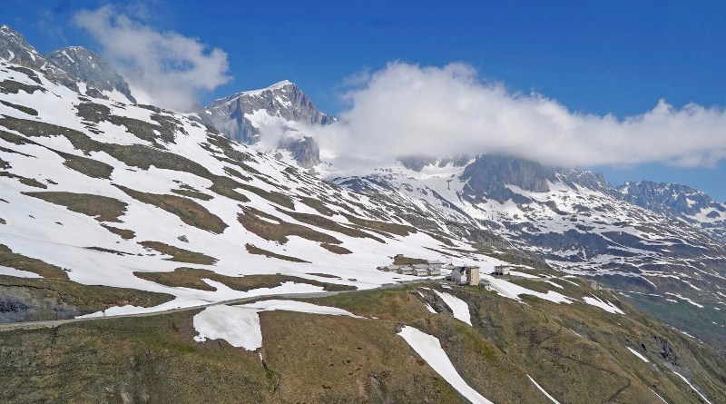 There is a clear trend towards earlier snowmelt at elevations between 1,000 and 2,500 meters. A first few spots at 2,500 meters are already snow-free in April 2020. CREDIT Photo: Lawrence Blem