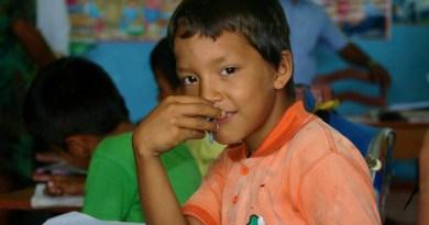 peru child class classroom Amazon Jungle Schoolboy Curiosity School Education