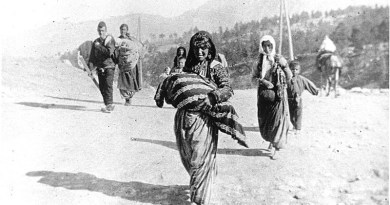 Photograph of Armenian refugees at Taurus Pass, by German medic Armin Wegner. Credit: Wikipedia Commons