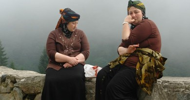 Hemshin women, Rize, Turkey. Photo Credit: https://www.flickr.com/photos/charlesfred/, Wikimedia Commons