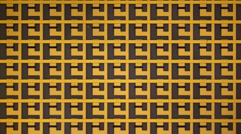 By connecting single synaptic transistors into a neuromorphic circuit, researchers demonstrated that their device could simulate associative learning. CREDIT Northwestern University