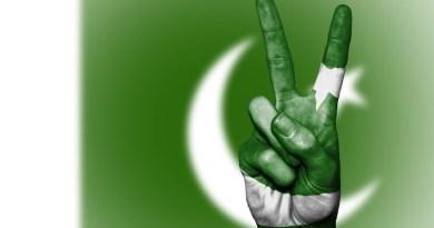 pakistan flag peace