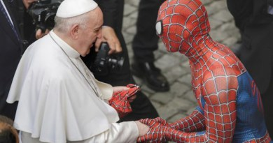 Mattia Villardita, a 28-year-old Italian who dresses up as Spider-Man, attends the general audience at the Vatican, June 23, 2021./ Pablo Esparza/CNA.