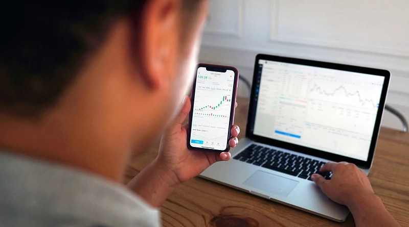 Man Computer Stock Trading Iphone Finance Day Trader Market