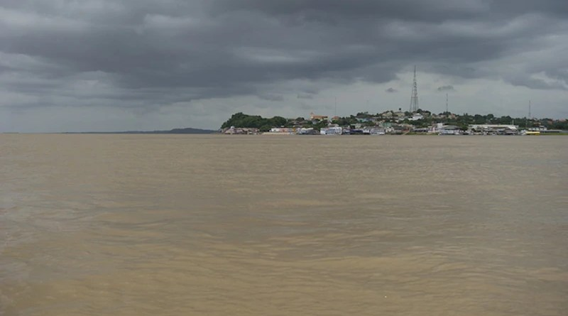 The Amazon River at Óbidos, Brazil. Researchers examined data taken at this city near the mouth of the river to investigate how La Niña events affect the amount of carbon exported from the river. CREDIT: Chris Linder
