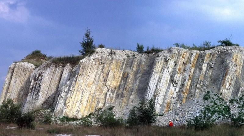 Salzgitter-Salder: A perfect rock boundary sequence over 40 metres. CREDIT: Silke Voigt, Goethe University Frankfurt