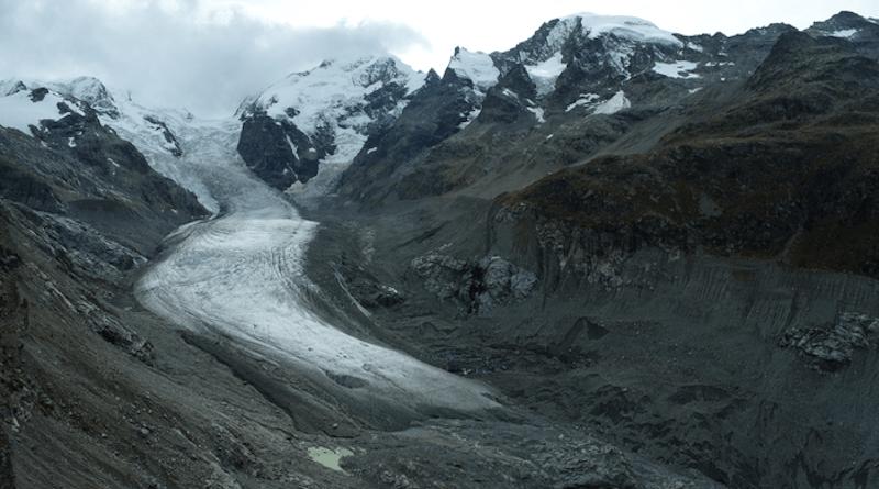 Drone photo of glacier. CREDIT (c) Lander Van Tricht