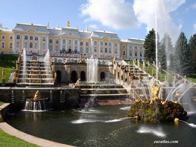 https://i1.wp.com/www.euratlas.com/Atlas/russia/peterhof_palace.jpg
