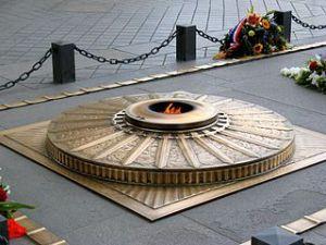 gros plan de la tombe du soldat inconnu Paris