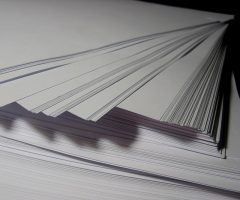 Dans le cadre de la préparation d'un exposé, merci de m'indiquer où je peux trouver l'information suivante : papier utilisé pour les livres de poche (collection Folio). Merci