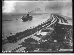 Photographie du  canal de Suez, 1915 / [Agence Rol]
