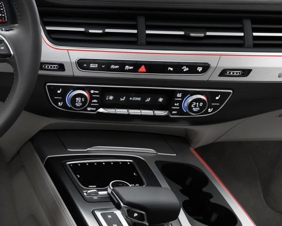 Audi-Q7-New-2016-25